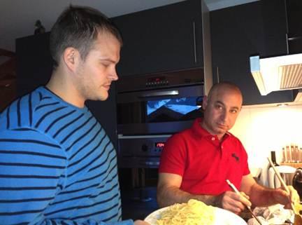 Zur seriösen Matchvorbereitung am Samstag im Casa chez Kai gabs Spaghetti al Giovanni.